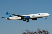 United Airlines Boeing777-322ER