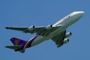 Thai B747-400 take off